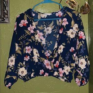 floral print crop top (blouse)